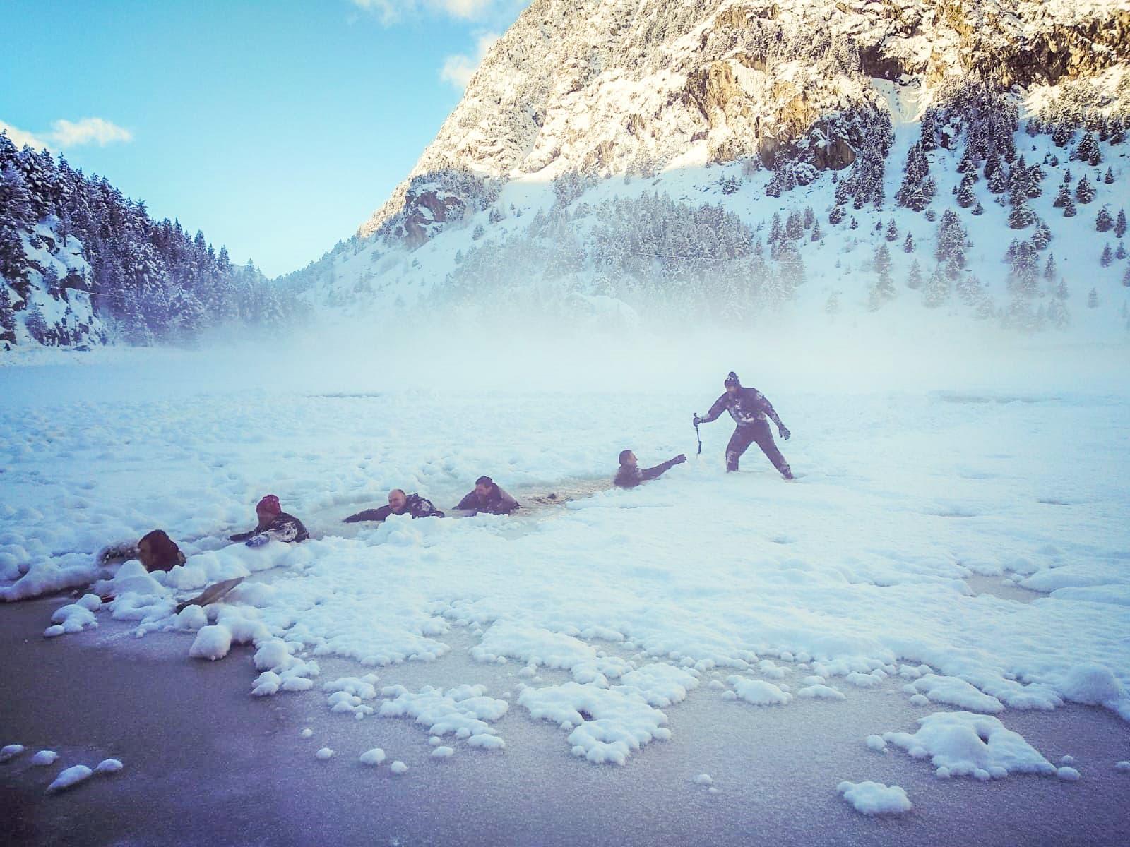 Evento Buceo bajo hielo traje seco
